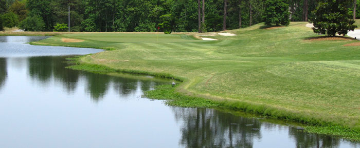 Strategies to Score Well on Golf Courses with a Lot of Water