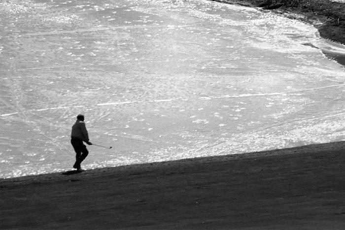 playing-winter-golf