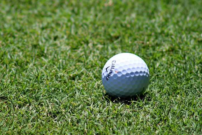 What-to-Consider-When-Selecting-a-Golf-Ball-to-Play